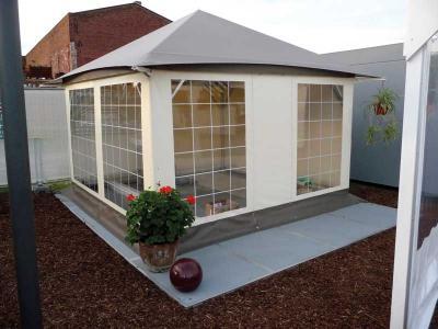 Schall Pavillon | Sproßenfenster